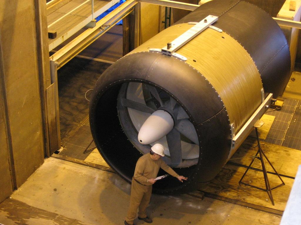 Vodní turbína v montážním závodě, foto Free Flow Power