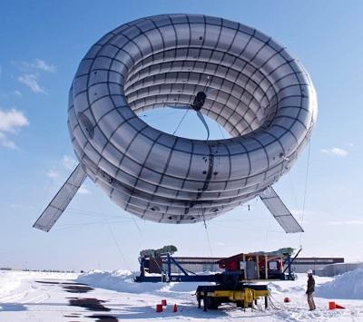 Vypouštění létající turbíny. Foto Altaeros Energies.
