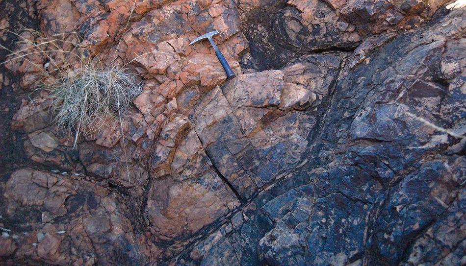 Polštářový čedič typický pro podmořské erupce z australské oblasti Pilbara použitý pro analýzu izotopů kyslíku, foto Benjamin Johnson.