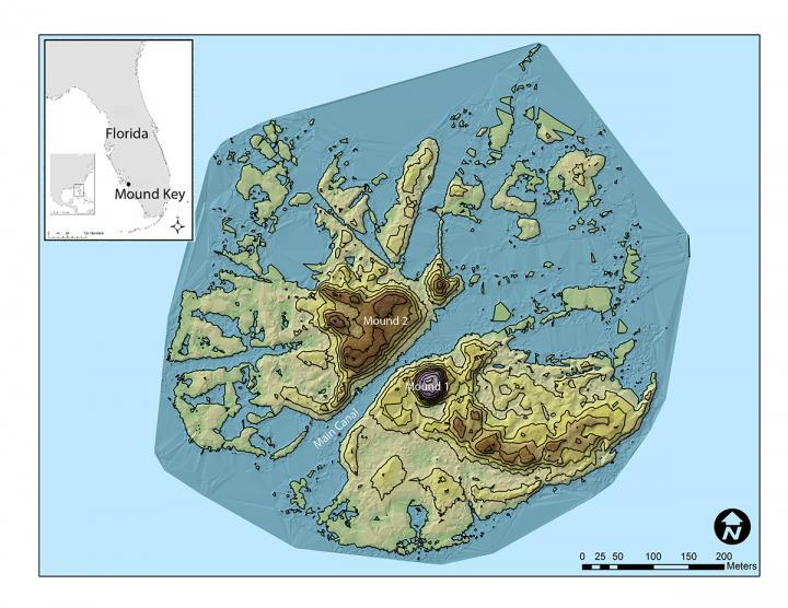 Mapa ostrova v zátoce Estero, kde leželo centrum kmene Calusa. Sádky ležely v kanálu, který prochází přímo středem ostrova, obr. Victor Thompson, https://www.eurekalert.org/multimedia/pub/230058.php?from=462147.