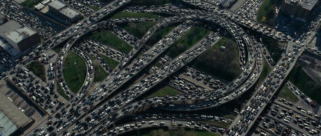Tady jednoduchý model nepomůže. Dopravní zácpa na čínské dálnici 110 v roce 2010, která trvala 2 týdny, foto José Ramón D. Frejo, PhD Thesis: Model Predictive Control for Freeway Traffic Networks, 2015, DOI: 10.13140/RG.2.2.16497.33120.