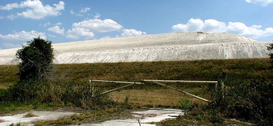 Skládka fosfosádry  poblíž Ford Meade na Floridě, foto Harvey Henkelmann.