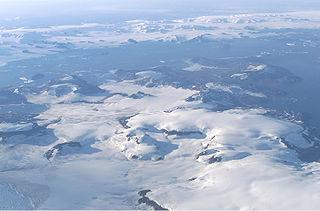 Letecký snímek Ostrova Jamese Rosse pořízený NASA v roce 2004.