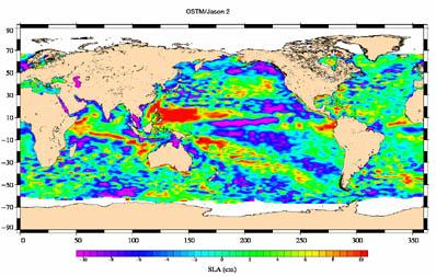 Anomálie v topografii hladiny Světového oceánu mezi 4. a 14.července 2008 (foto NASA, CNES)
