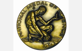 Líc Národního vyznamenání za vědu (obr NSF)