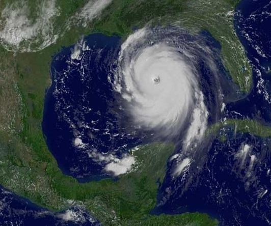 Hurikán Katrina v Mexickém zálivu na snímku meteorologické družice GOES-12, foto NASA, srpen 2005.