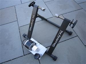 stojánek na kolo s generátorem