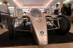 Jedno z vozidel, které se účastní závodu South African Solar Challenge, vystavené v Kapském městě