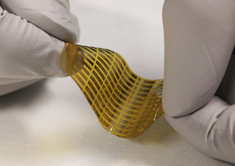 Nanotechnologický zdroj terahertzových vln, foto EPFL/POWERlab.
