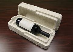 kazeta na víno vypěstovaná z podhoubí  společností Ecovative Design, foto Ecovative Design.